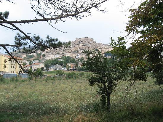 Abruzzo Segreto Navelli: The town of Navelli