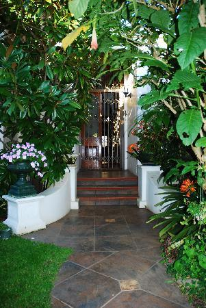 Jambo Guest House: in the garden
