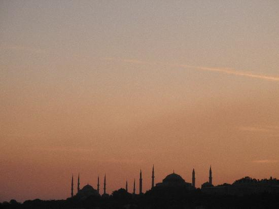 Istanbul Amedros Home: Atardecer