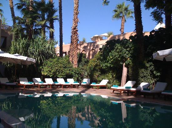 Les Jardins de la Medina: Vue intérieure piscine