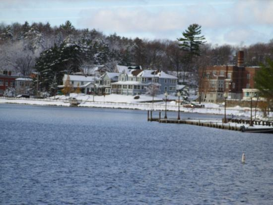 Adirondack Motel: ANother view of lake Flower from deck