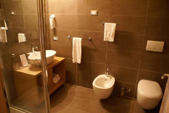 bagno super moderno - foto di albergo cavallino bianco, rumo ... - Bagni Super Moderni