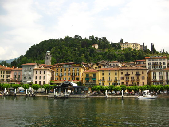 Ristorante Terrazza Barchetta: View of Bellagio from the ferry