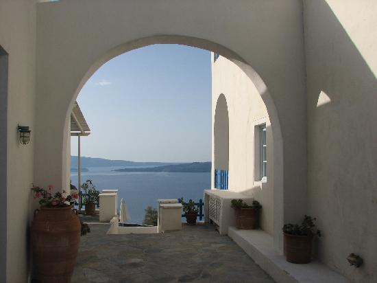 Hotel Atlantida Villas: a nice view