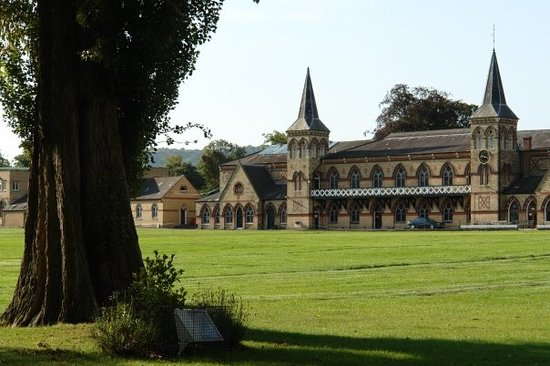 Челтенхем, UK: Cheltenham College - cricket pavillion