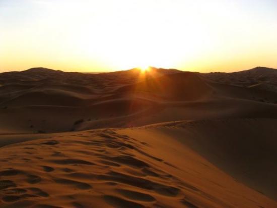Merzouga Desert: Amanecer en las Dunas de Erg Chebbi (Merzouga)