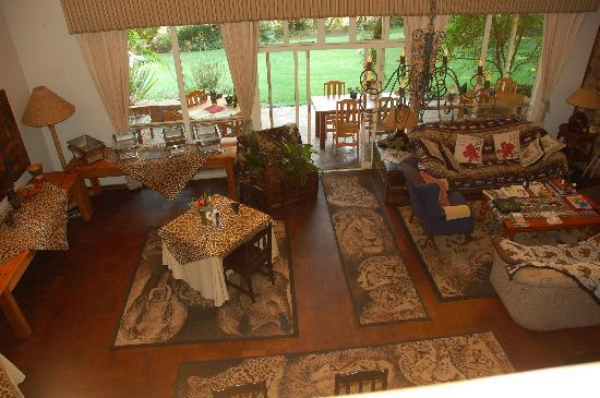 Cheetah Lodge: Dining area.