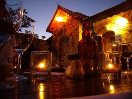 Lacanau-Ocean, Frankreich: 10.08.09 - Scorcio su questo ristorantino di Lacanau Ocean