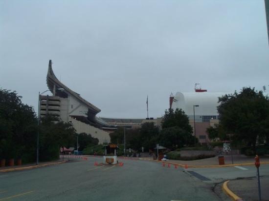 Darrell K Royal-Texas Memorial Stadium: stadium
