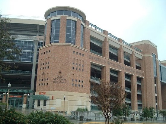 ‪Darrell K Royal-Texas Memorial Stadium‬