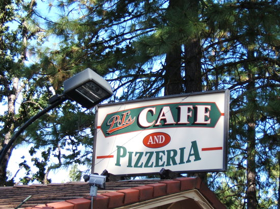 PJ's Cafe and Pizzeria : Nice pleace to stop and get a bite!