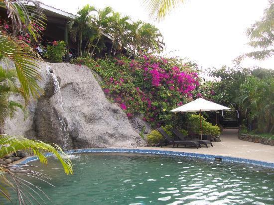วานานาวูบีชรีสอร์ท: The pool