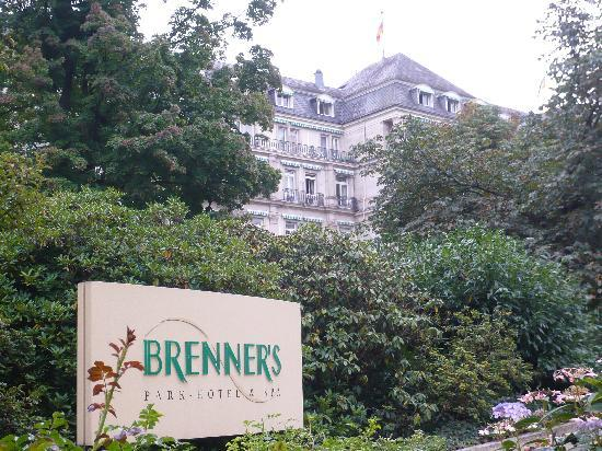 Brenners Park-Hotel & Spa: 外からの客室の一部