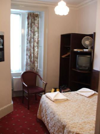Ridgemount Hotel: Room 26