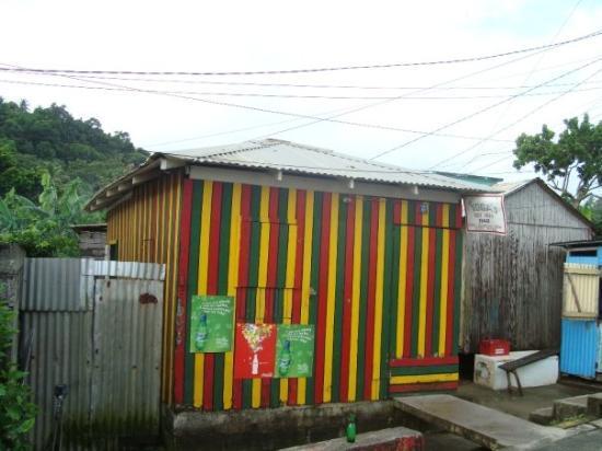 กาลิบิไช, โดมินิกา: Toga's best Deal Bar, Calibishie, Caribbean