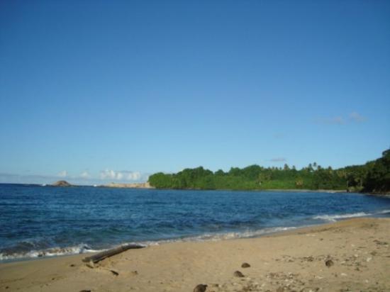 กาลิบิไช, โดมินิกา: Woodford Hill Beach, Calibishie, Caribbean