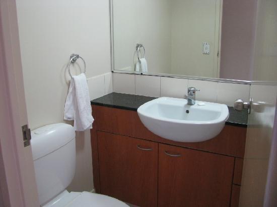 Palazzo Colonnades: bathroom