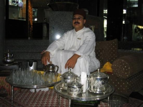 Sheraton Casablanca Hotel & Towers: la cérémonie de thé a la menthe  mint tea ceremony