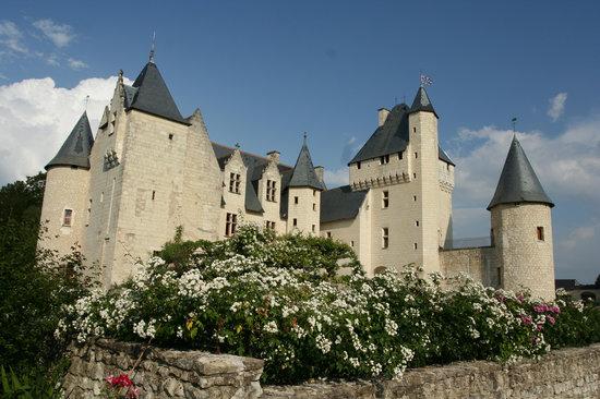 Lemere, France: Les roses du Rivau, une senteur incroyable