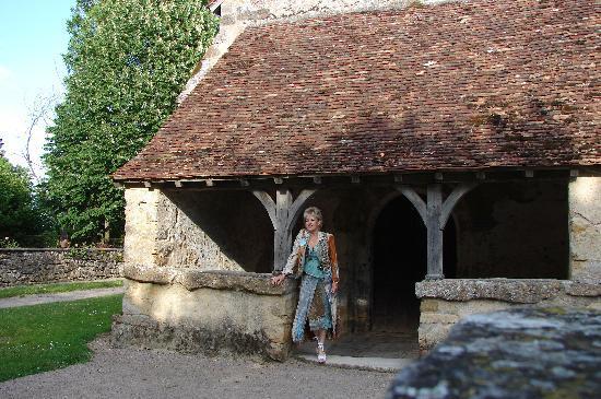 La Chatre, France: l'église, témoin du passé
