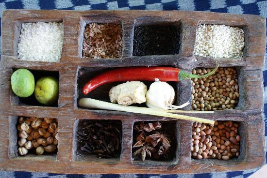 Komaneka at Tanggayuda: spices from our cookery lesson