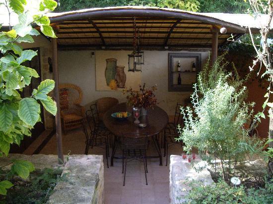 L'Octroi Saint Jacques : Outdoor Terrace