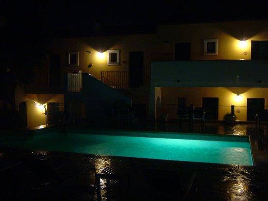 Papillo Hotels & Resorts Borgo Antico : The pool at night