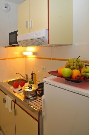 Appart'City Limoges: cuisine d'un appartement T2