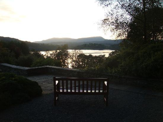 Cragwood Country House Hotel: Our 'reading' bench