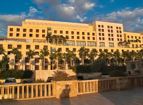 Kempinski Hotel Ishtar Dead Sea: Wide Shot of Main Building