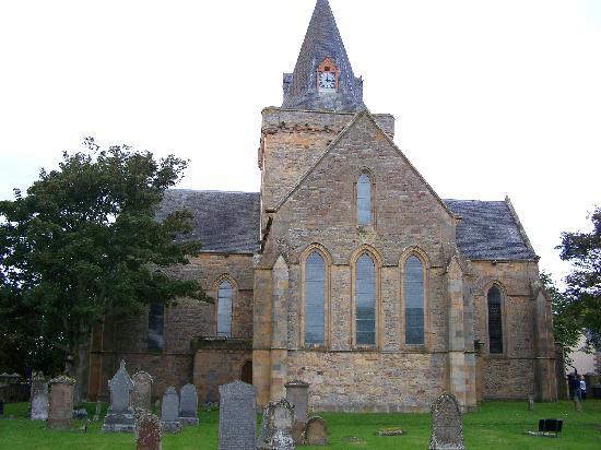Inverbrora Farm B&B: Nearby Dornoch Cathedral
