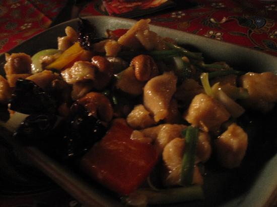 Poppies Restaurant: chicken with cashew nuts