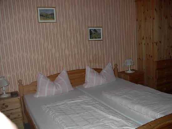 Hotel Gemündener Hof: Bedroom