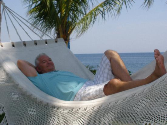 Poinciana Oceanside Resort & Retreat Centre: Living like a god in Bali...