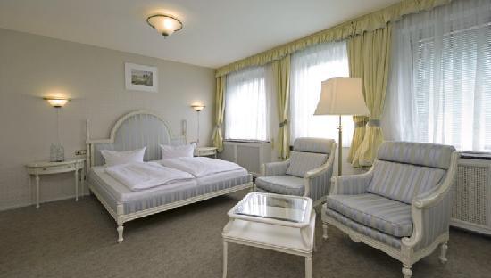 Kultur- und Kongresshotel Pfiffelbach: Das Zimmer