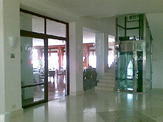 Hotel La Floridiana: Le hall