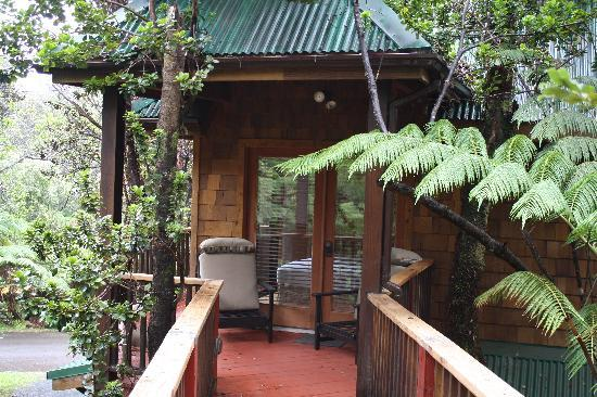 The Guest Cottages at Volcano Acres Tree House: Volcano Tree House exterior