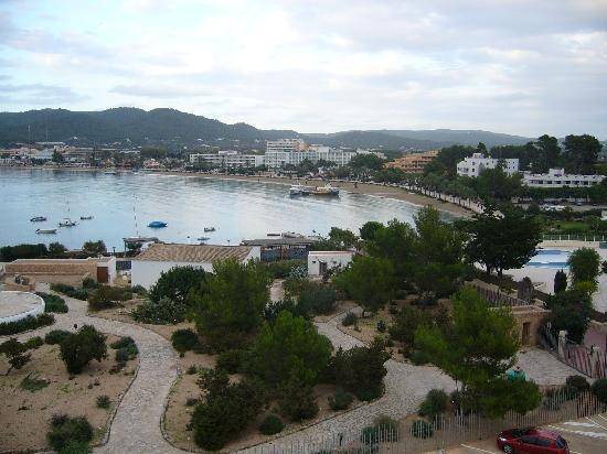 Alua Hawaii Ibiza: veiw from balconey at hawaii hotel