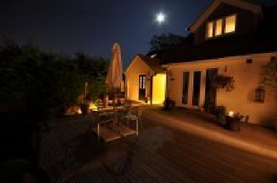 The Boathouse Bosham: Walk back to our private suite