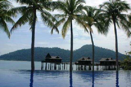 Pangkor Laut Resort: Sea Villas and the pool