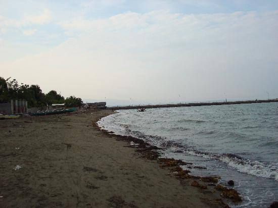 Hilongos, Filipinas: beach at leopards resort