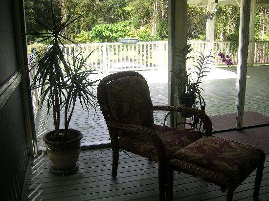 The Ohia House: Lanai