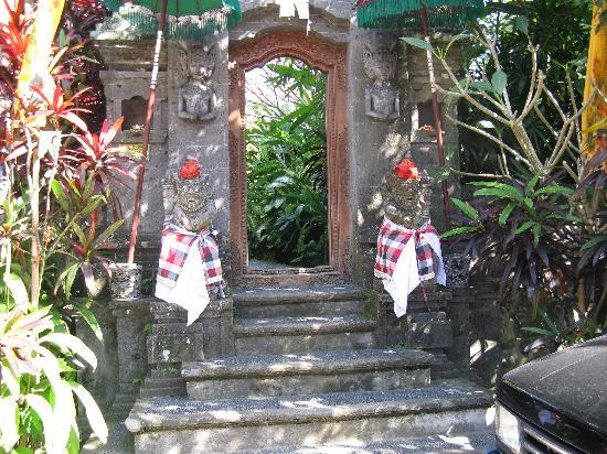 Villa Awang Awang: front