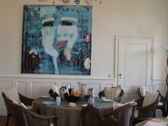 Breakfast at Chateau Bellevue