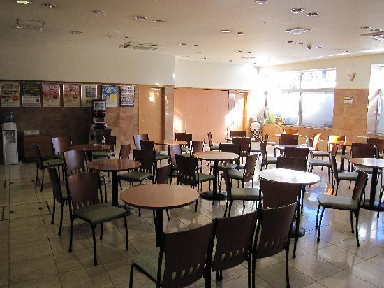 Toyoko Inn Shinjuku Kabukicho: Breakfast area in the afternoon