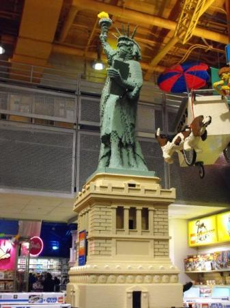 Toys 'R' Us Times Square: lego statue of liberty, toys-r-us, times square