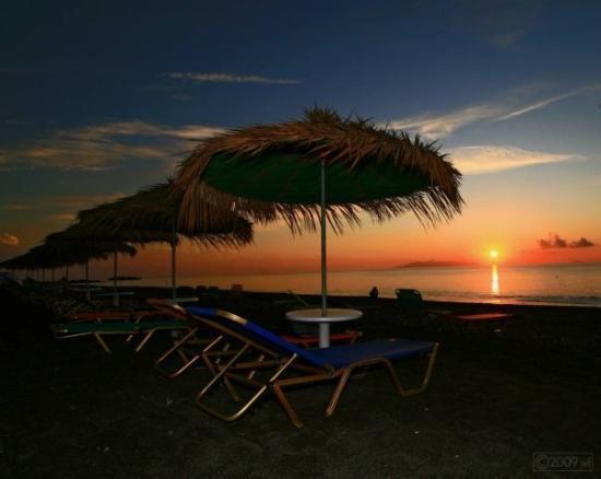 Santorini, Kamari, hajnal