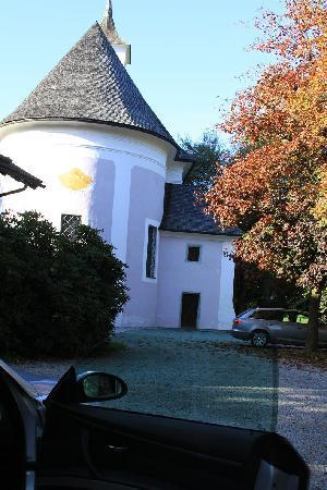 Schloss Prielau Hotel & Restaurants: Castle exteriors