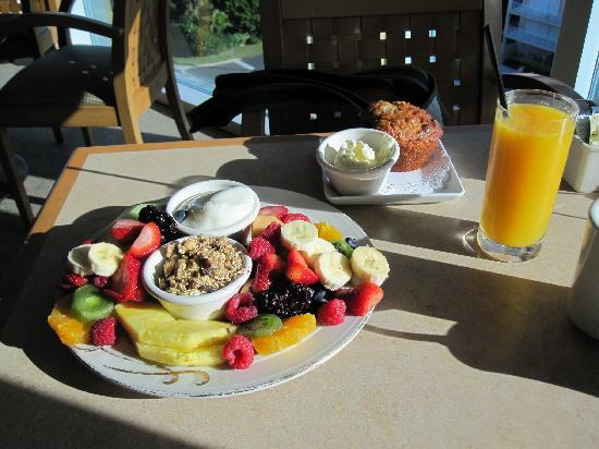 Lido Beach Resort: One of the superb breakfasts