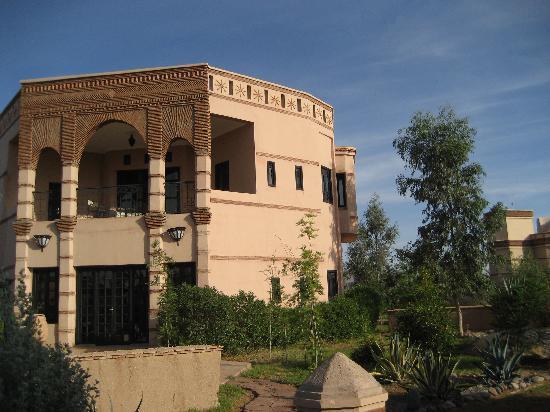 Rose Garden Resort & Spa: pavillions in the large garden